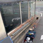 本日は北九州市八幡西区大浦から店舗シャッターの解体作業です。